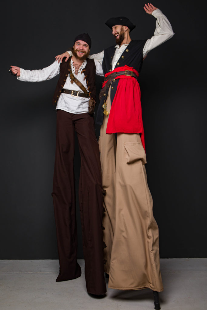 ходулисты пираты веселятся